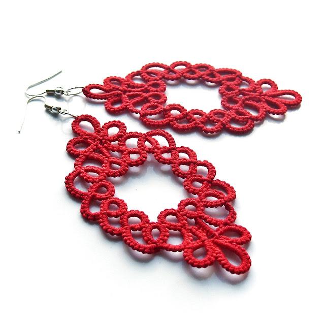 czerwone kolczyki koronkowe