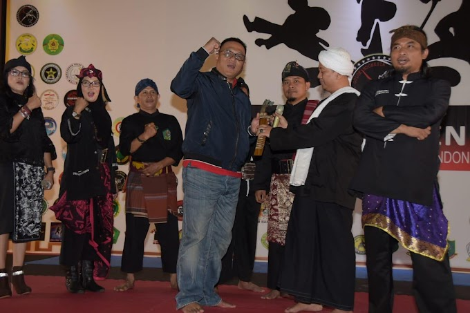 Pradi Buka Turnamen Seni Golok Indonesia 2018