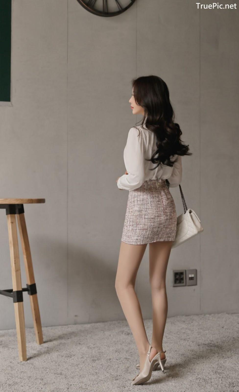 Image-Hot-Korean-Fashion-Model-Son-Yoon-Joo-She-So-Lovely-With-Miniskirt-TruePic.net- Picture-10