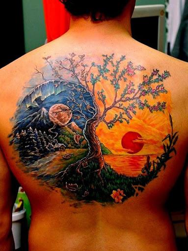 Realmente, uma bela e a obra de arte Yin Yang tatuagem. Cores de cada lado da tatuagem é retratado com uma lua e um sol. Isso significa que, noite e dia, que são opostas conceitos, mas trabalham juntos para formar a harmonia.