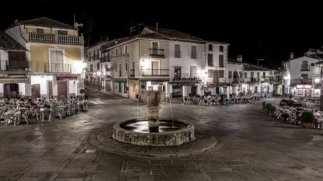 Plaza de Santa María de Guadalupe :: Canon EOS5D MkIII | ISO100 | Canon 17-40@27mm | f/16 | 25s (tripod)