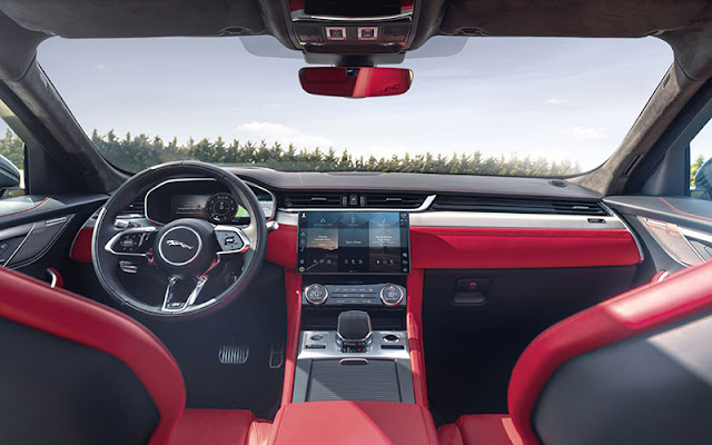 Jaguar F – Pace có thiết kế nội thất cực sang trọng và hiện đại