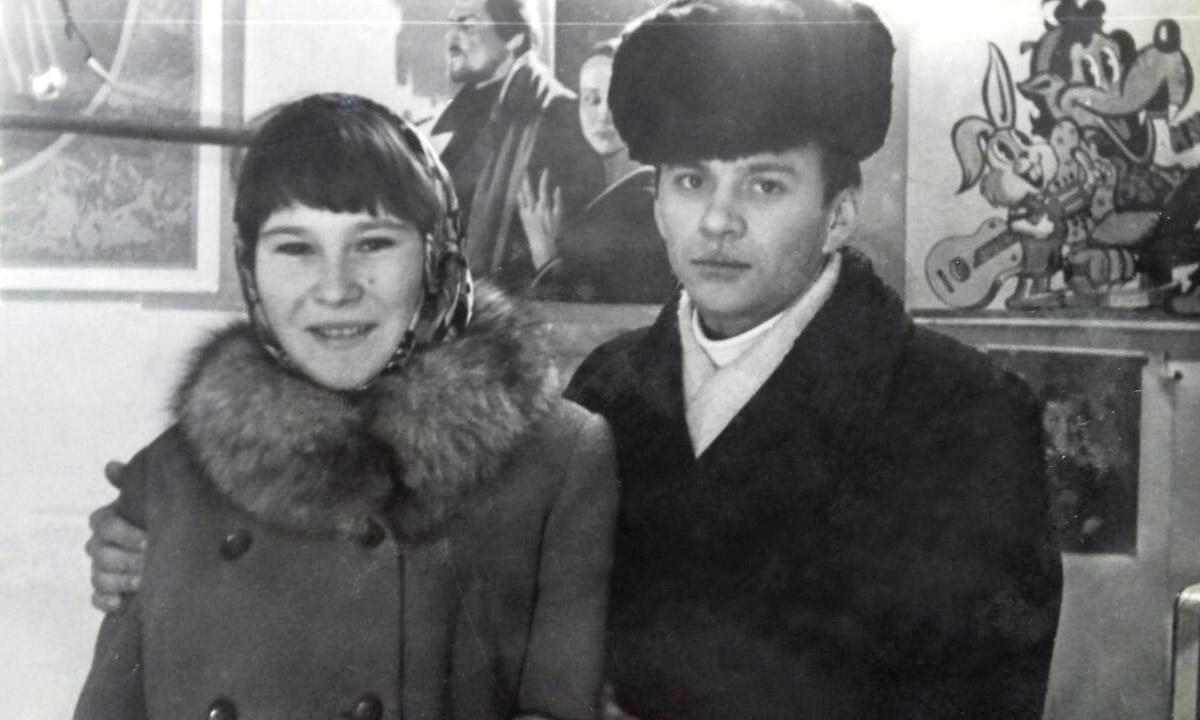 Буряк Микола Петрович (праворуч) і Буряк (Мацапура) Олена Михайлівна. Фото з сімейного архіву