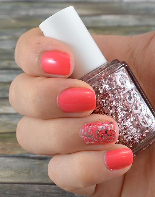 Essie cute as a button Tragefoto