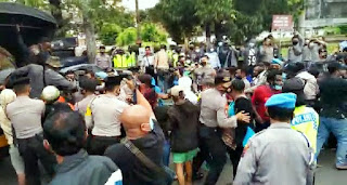 Unjuk Rasa Mahasiswa Papua Semarang Dibubarkan Polisi Karena Langgar Prokes