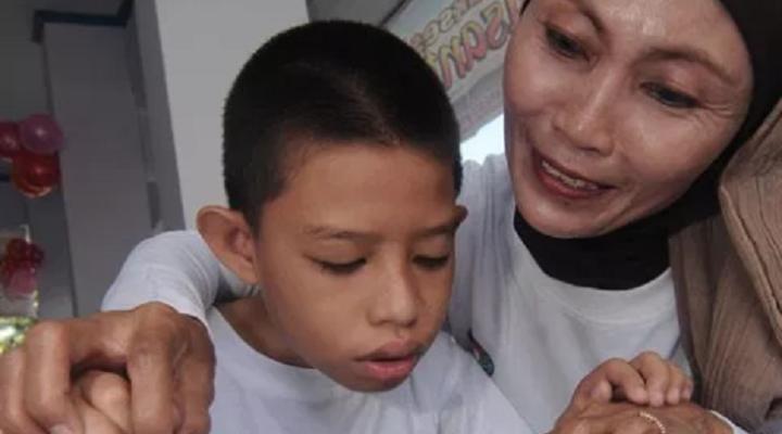 Cara Orang Tua Menjaga Anak Berkebutuhan Khusus Tetap Aman