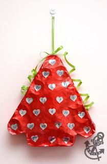 https://www.coffeeandvanilla.com/cardboard-tubes-christmas-calendar/