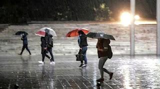 الأرصاد الجوية تحذر من العواصف الرعدية والفياضانات في هذه الولايات التركية