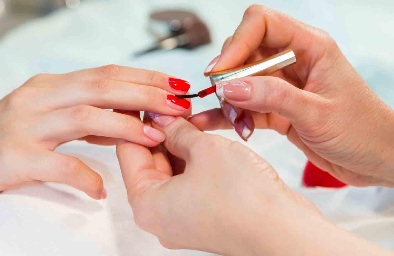 jenis macam layanans servis treatment perawatan kuku cantik indah penampilan cewek desain nail art kapster salon beauty therapist pijat massage cakep manicure pedicure spa kecantikan kutek