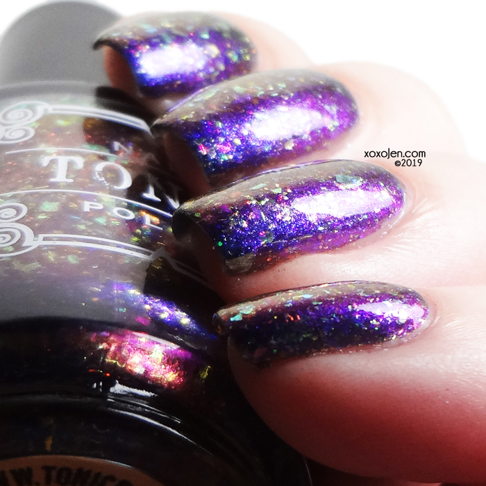 xoxoJen's swatch of Tonic Oh Tannenbaum