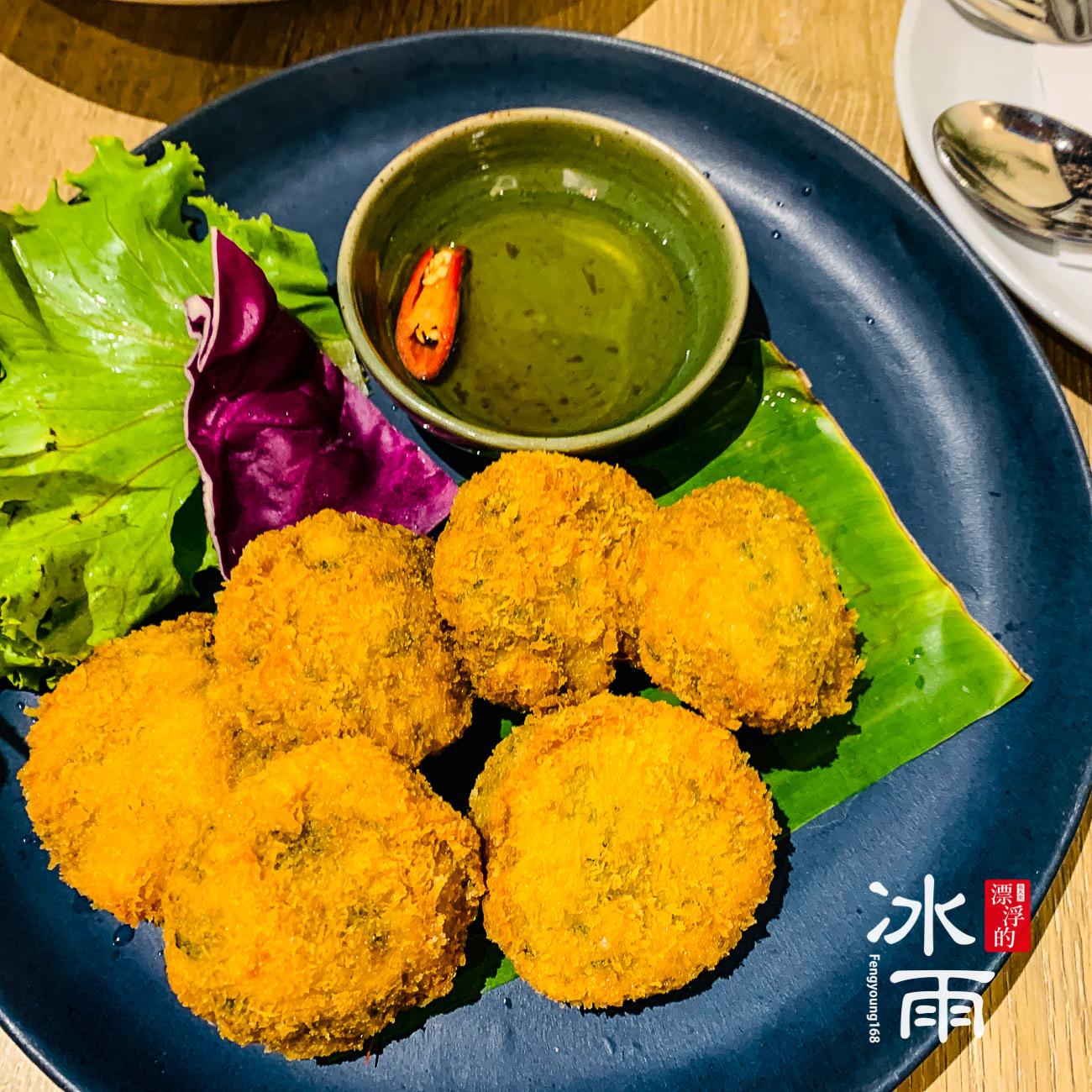 這是一道泰國的招牌菜,在台灣已經被改良了!有點像是夜市的口味啊!