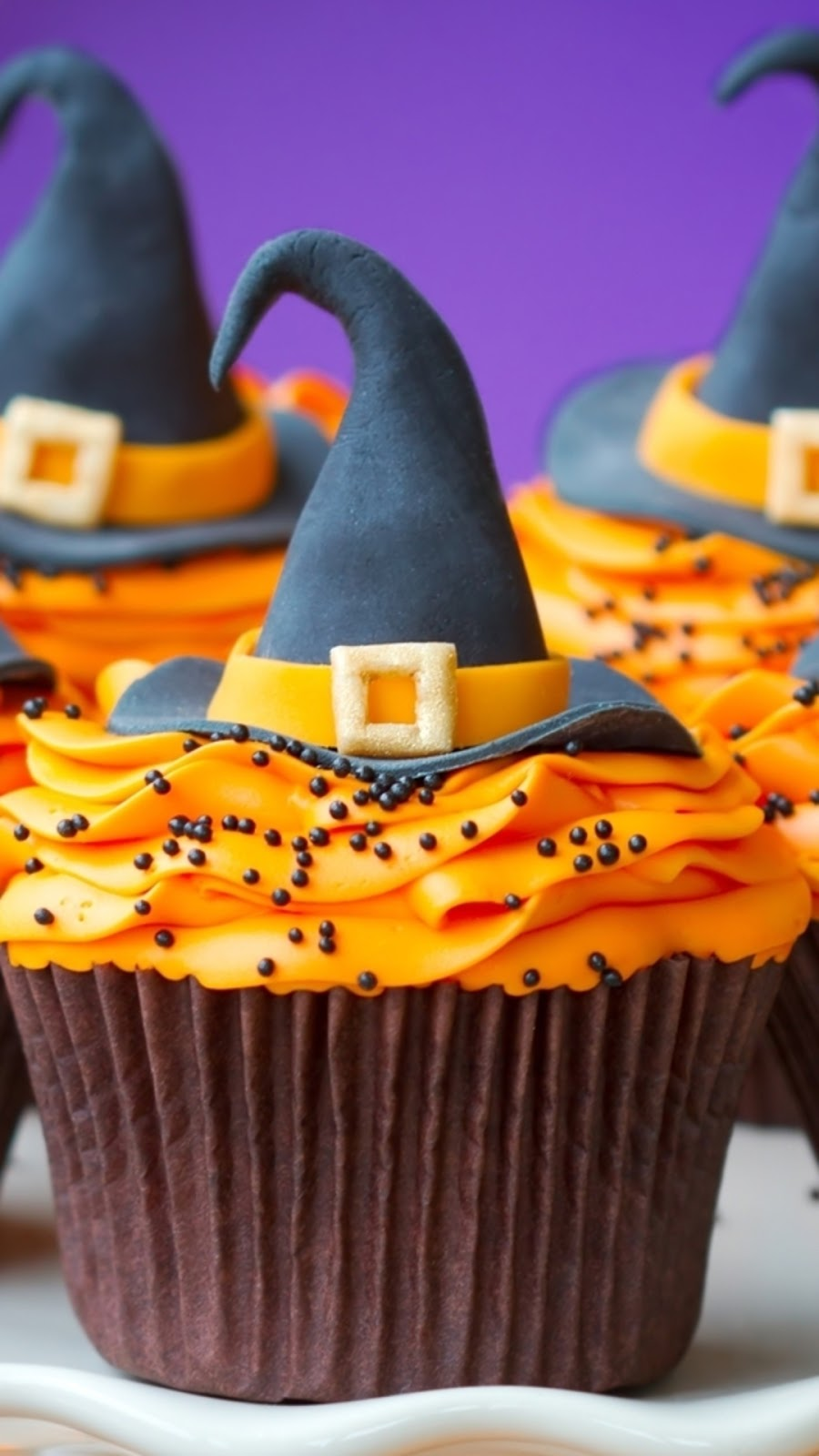 Halloween celebration chocolate cake mobile wallpaper