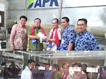 Menristek Apresiasi Pengolahan Kayu Menjadi Rayon, Benang dan Kain  Produk PT APR Memperkuat Industri Tekstil