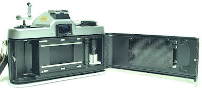 Minolta XG-1 (Chrome) Body #780, Minolta MD 50mm 1:1.7 #702