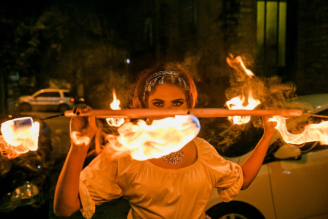 Personagem romantico de cigana para recepção de festa de casamento em São Paulo.