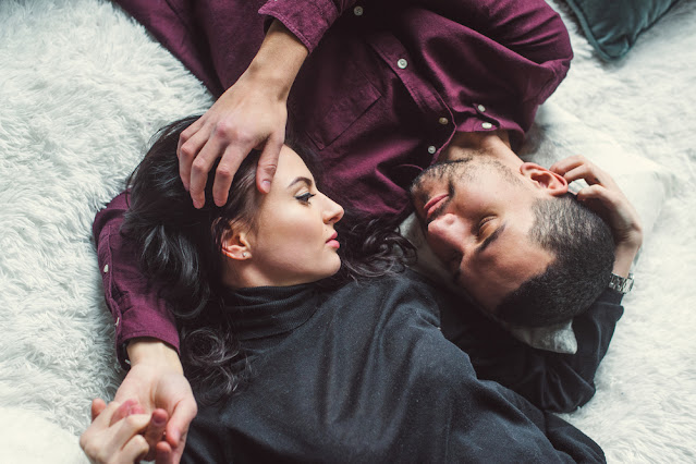 Try these special Vastu tips to maintain love in married life Funny Jokes