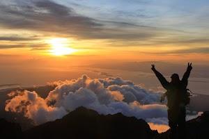 5 Spot Romantis Untuk Melihat Sunrise di Lombok! Pasti Bikin Kamu Jatuh Cinta