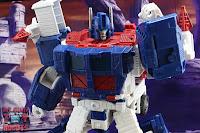 Transformers Kingdom Ultra Magnus 21