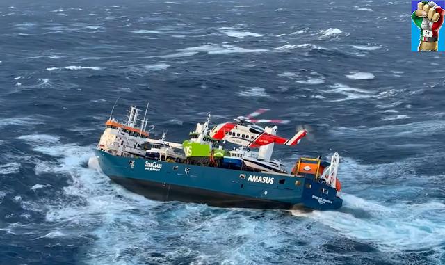Norvegia: dodici persone salvate dalla Guardia Costiera, con onde alte fino a 15 metri (VIDEO)
