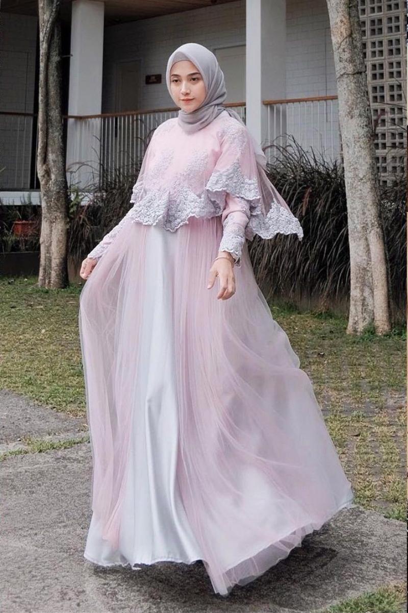 Renda dan Tulle Dress trend baju lebaran manis