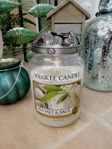 Andy's Yankees: BE JOLLY - Yankee Candle Feature
