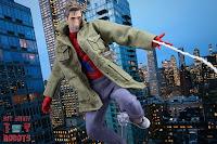 MAFEX Spider-Man (Peter B Parker) 54
