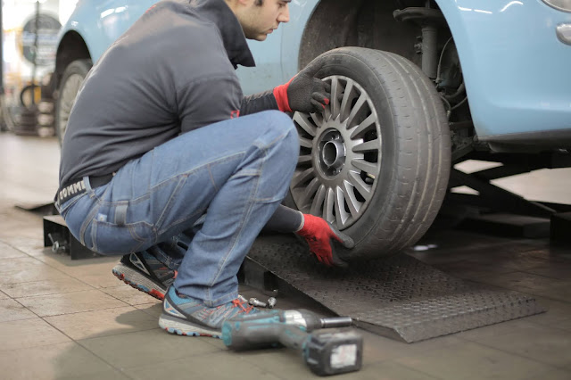 6 ways to avoid damaging your car's tires