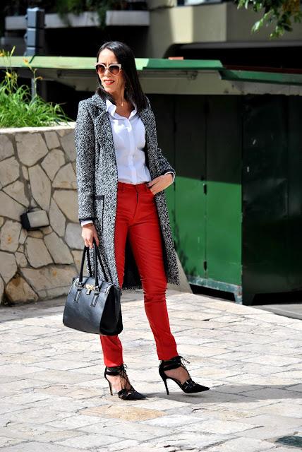 como vestir el rojo, look en rojo, estilo, moda, fashion, asesora de imagen, rojo con estilo, tendencias, outfit en rojo, como llevar un pantalon rojo