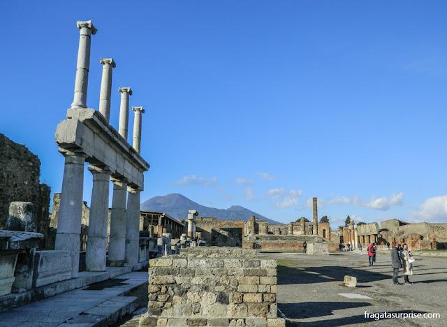 Templo de Apolo e Templo de Júpiter no Fórum de Pompeia