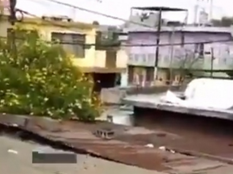 """VIDEO: """"Ya valió ver..ga este pedo"""", Así se vivió la balacera que se registró en Monterrey, cuatro sicarios abatidos."""