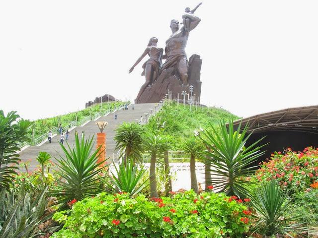 Tourisme, Monument, Renaissance, africaine, infrastructure, nature, activites, visite, montagne, collines, volcaniques, Mamelles, LEUKSENEGAL, Dakar, Sénégal, Afrique