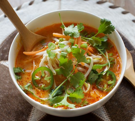 SPICY THAI RED CURRY NOODLE SOUP #soup #noodle #curry #vegetarian #mushroom