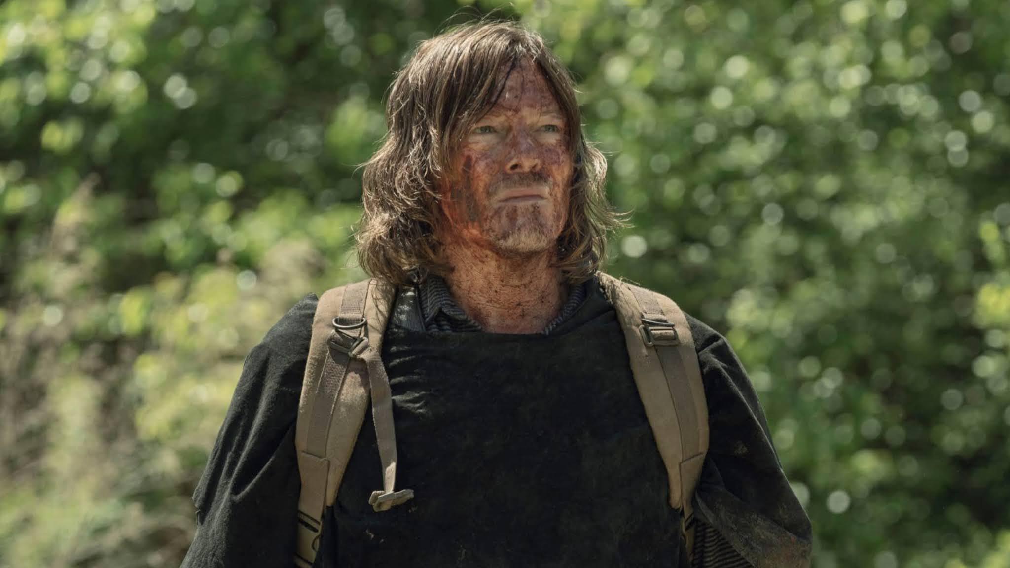 Daryl, camuflado con sangre de walker en el 11x04 de The Walking Dead