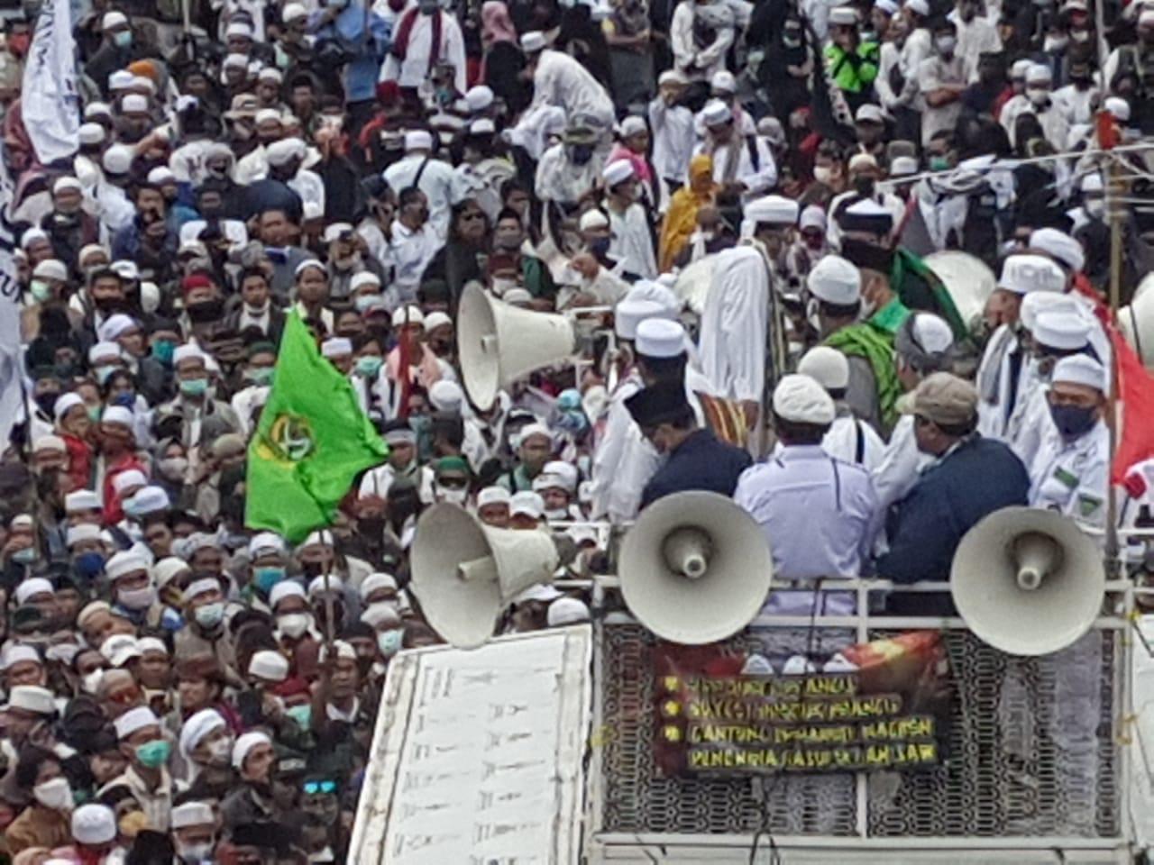Ribuan Muslim Indonesia, Gelar Aksi Di Depan Kedubes Prancis Kecam Pernyataan Macron