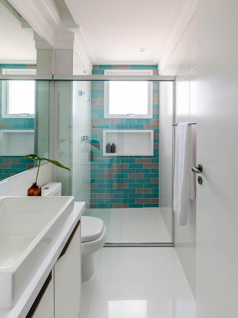 banheiro-jovial-revestimentos-coloridos