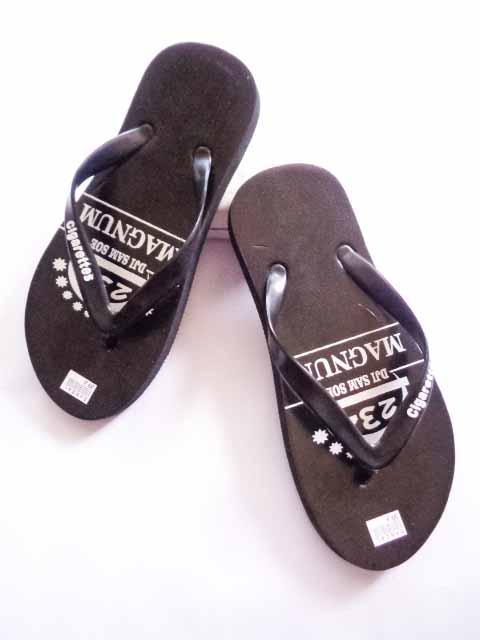 Grosir Sandal Distro - Menyediakan Sandal Rokok Termurah