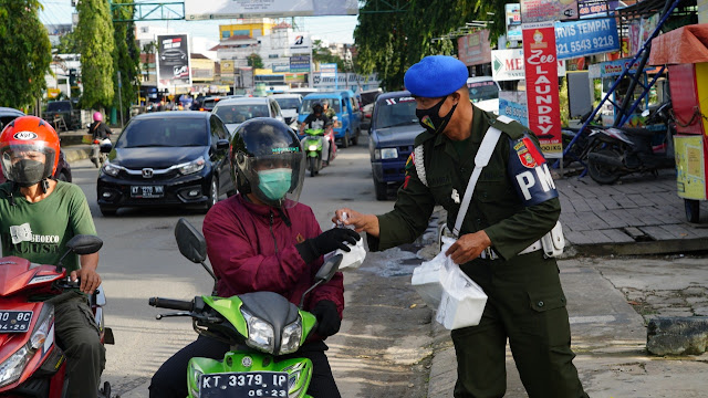 Program Denpom VI/1 Samarinda Selama Ramadhan, Berikan 1000 Paket Takjil Bagi Masyarakat
