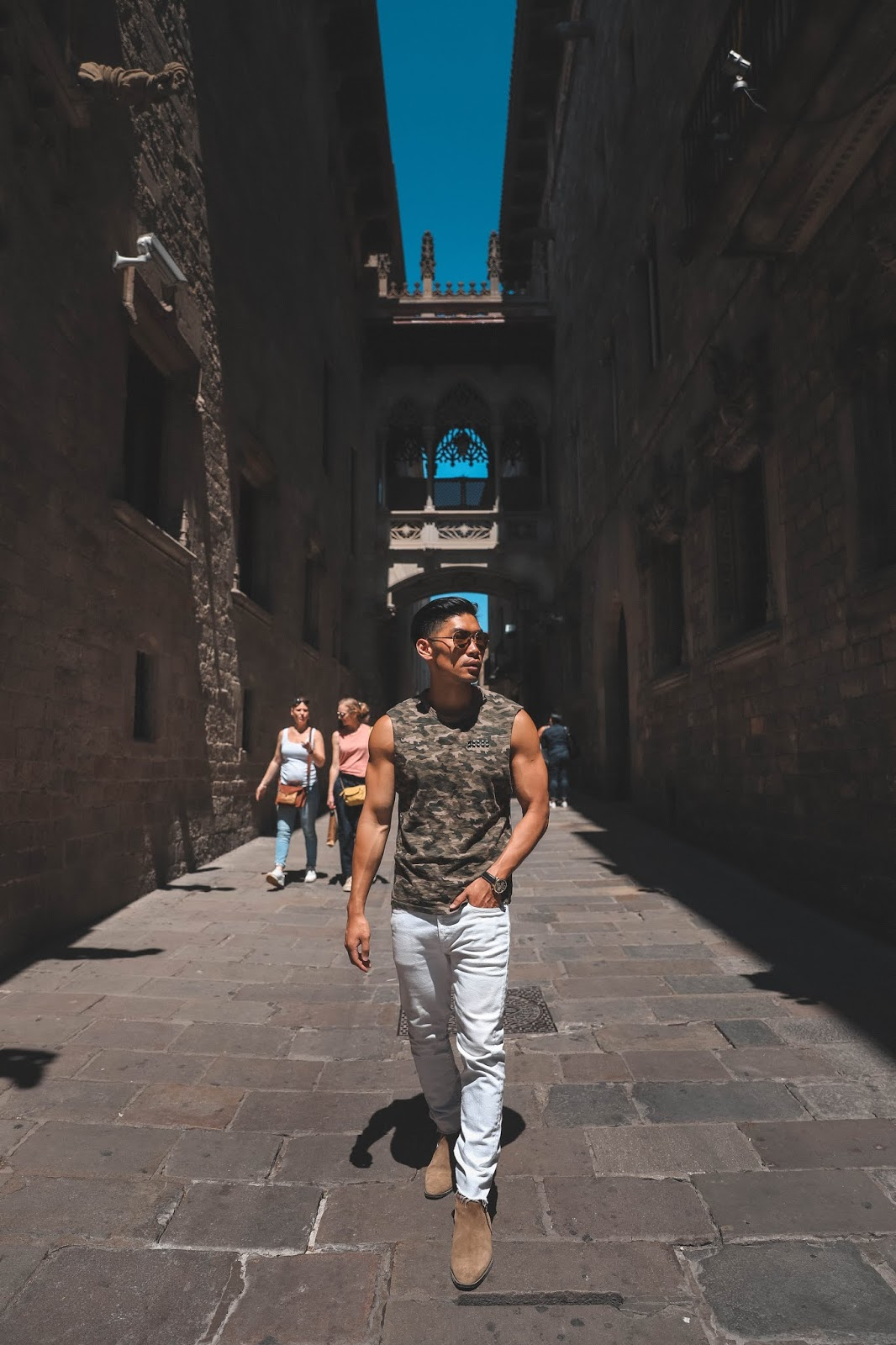 Leo Chan, Levitate Style, wearing Camo Shirt and White Jeans in Barcelona | Asian Model, Asian Blogger