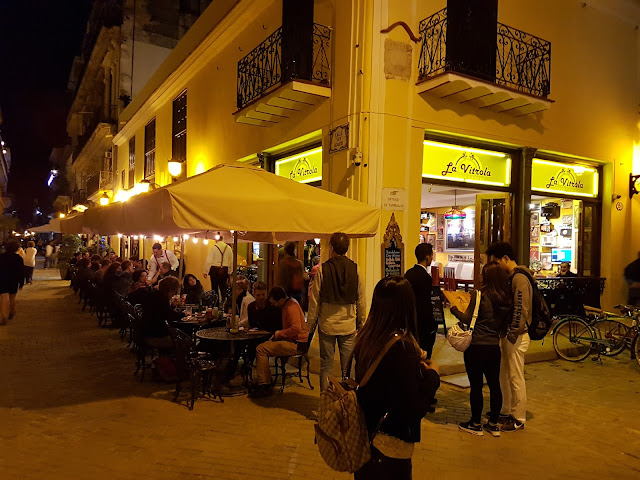 Bar La Vitrola na Plaza Vieja em Havana - Cuba