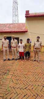 #JaunpurLive : चोरी की बाइक के साथ दो चोर गिरफ्तार
