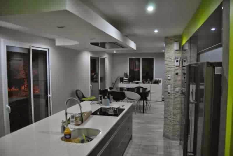 hotte aspirante de plafond. Black Bedroom Furniture Sets. Home Design Ideas