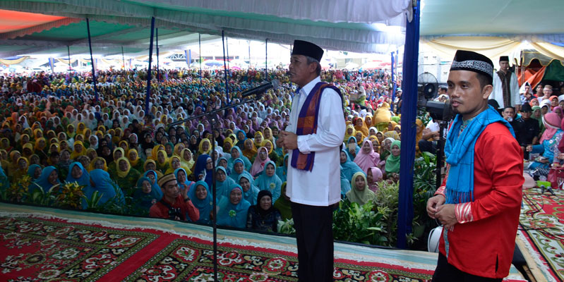 Iskandar SE Bangun Desa dengan Landasan Agama