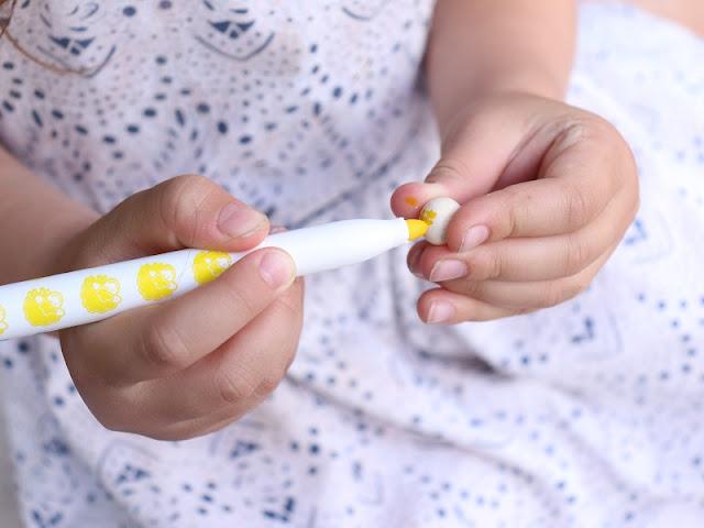 coloriage-jaune-perle