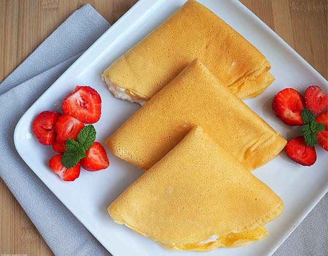 Naleśniki z ciecierzycy z serem