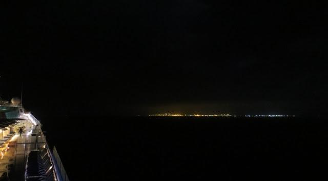 Celebrity Silhouette in der Straße von Gibraltar