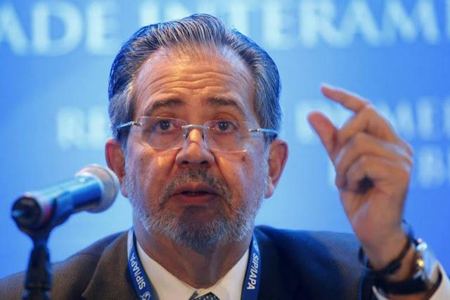 """LATINOAMÉRICA: Miguel Henrique Otero:  """"Venezuela es un país apagado de las noticias y las opiniones independientes""""."""