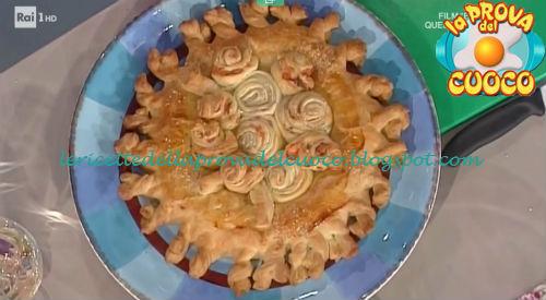 Torta rustica con girelle di sfoglia salmone e ricotta ricetta Barzetti da Prova del Cuoco