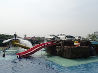 Taman Ombak De Keraton Karawang