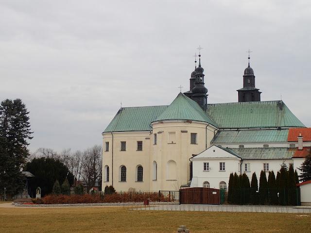 Główny kościół w Gidlach od tyłu