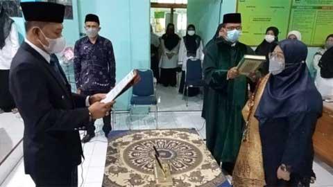 Emi Ratna Aprilana Dilantik Sebagai Kasi Penmad Padang Panjang